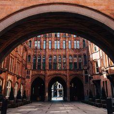 Explore London This Autumn – Waterhouse Square