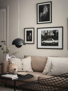 La décoration de ce deux-pièces de 38m2 n'a rien à envier à celle d'un plus grand - PLANETE DECO a homes world Earthy, Entrance, Home Studio, Gallery Wall, Wall Decor, Decoration, Throw Pillows, Interior Design, Color