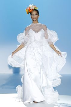 #sexi #love #jeans #clothes #coat #shoes #fashion #style #outfit #heels #bags #treasure #blouses #wedding #weddingdress #weddingday #weddingcelebration #weddingwoman Španielske návrhárky Ana Torres a Carla Ruiz - KAMzaKRÁSOU.sk