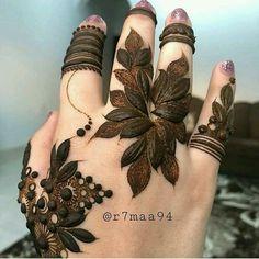 Latest Simple and Easy Mehandi Design Mehandi Design for Wedding Khafif Mehndi Design, Stylish Mehndi Designs, Mehndi Design Pictures, Mehndi Art Designs, Beautiful Mehndi Design, Latest Mehndi Designs, Henna Tattoo Designs, Mehndi Images, Choli Designs