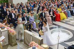 The Crown Princess reads the First Epistle to the Corinthians 13:4-7, 13. Photo: Jonas Ekströmer/TT