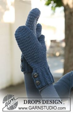 """Crochet DROPS mittens in """"Alaska"""". ~ DROPS Design"""