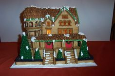 Cute, cute, CUTE gingerbread house by Meredith Koerner. Visit www.gingerbreadexchange.com for free patterns, photos, and much more.