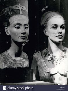 1956 - Pictured on the left is a sculpture of Queen Nefertiti, which was in a Berlin Museum. On the right is actress Linda Christian, who was in Berlin for the film Tudor History, Art History, Caucasian Race, Ancient Egyptian Architecture, Famous Historical Figures, Ancient Egypt History, Ancient Goddesses, Queen Nefertiti, Art Antique