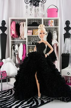 Looking for Collectible Barbie Dolls? Shop the best assortment of rare Barbie dolls and accessories for collectors right now at the official Barbie website! Barbie Life, Barbie House, Barbie World, Barbie And Ken, Mattel Barbie, Barbie Dress, Barbie Clothes, Barbie Style, Barbie Collector