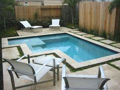 piscina pequena com escada
