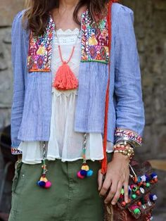Boho Fashion Inpiration - Embellished Layering Open Jacket with Tassels and Pom Poms. I see a bohemian diy project here! Hippie Style, Gypsy Style, Boho Gypsy, Hippie Boho, Bohemian Mode, Bohemian Style, Bohemian Jewelry, Zara Tops, Mode Style