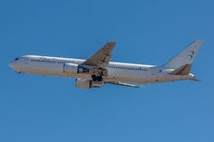 https://flic.kr/p/r1iXMd | Boeing 767-3X2ER Blue Panorama Airlines EI-FCV (MXP)