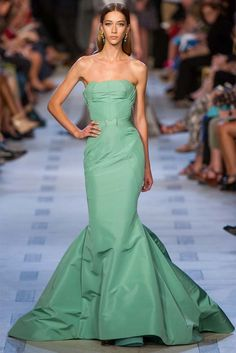 Zac Posen Spring Summer 2013 Ready-To-Wear Evening Gowns -watchout there is a mermaid coming! I really do Love the gown!