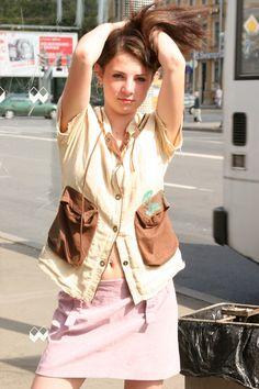 sexy girl - flashing at bus stop #sexy #hot