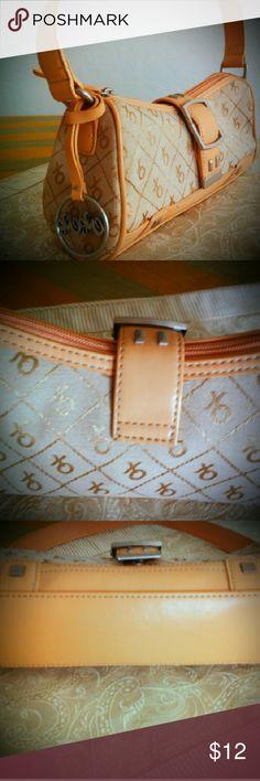 XOXO Small Tan and Gold Handbag In great condition. XOXO Bags