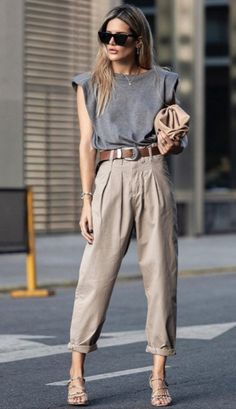 Casual Work Outfits, Classic Outfits, Cool Outfits, Summer Outfits, Looks Chic, Casual Looks, Bluse Outfit, Look Fashion, Fashion Outfits