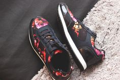 Cute Floral Trainers from H&M  // Suloiset kukkalenkkarit http://fash1ontherapy.blogspot.fi/2014/11/suloset-lenkkarit.html