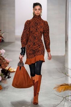 Ulla Johnson Fall 2019 Ready-to-Wear Fashion Show - Vogue 2020 Fashion Trends, Fashion Week, New York Fashion, Fashion Outfits, Knitwear Fashion, Knit Fashion, Dolly Fashion, Love Fashion, Estilo Fashion