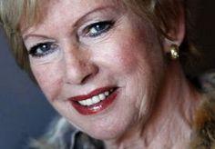 22-May-2013 21:01 - RIA VALK GEOPEREERD AAN HUIDKANKER. Ria Valk is onlangs geopereerd aan huidkanker. Dat heeft ze uit de doeken gedaan bij RTL Boulevard. De 72-jarige actrice en zangeres had al een…...