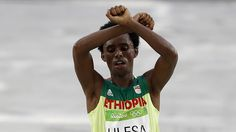 Ethiopia says will welcome Rio marathon runner despite protest gesture