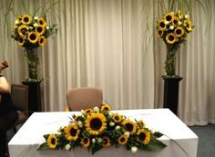 Love the centerpiece for sweetheart table. Would like to have more hydrangea and dahlias in the mix. Sunflower Table Centerpieces, Sunflower Wedding Decorations, Table Flowers, Wedding Arrangements, Wedding Centerpieces, Flower Arrangements, Wedding Stage, Fall Wedding, Funeral Sprays