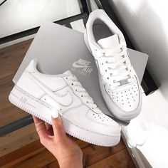 Trendy Sneakers 2017/ 2018 : Sneakers women Nike Air Force 1 low white (alishayi)