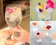 Gefrorene Blüten kühlen nicht nur die Drinks, sondern sorgen auch dafür, dass die Gäste diese Hochzeit nicht vergessen werden.