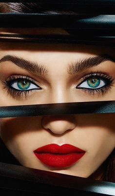 ☺ Zhenya Katava - Urban Decay Cosmetics Winter Photography by Jamie Nelson… Jamie Nelson, Perfect Red Lips, Too Faced, Foto Art, Beautiful Lips, Red Lipsticks, Cool Eyes, Amazing Eyes, Beauty Photography