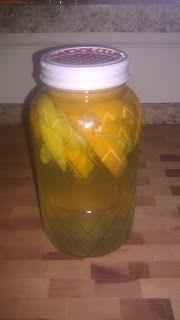 She cleans with vinegar: Citrus mix