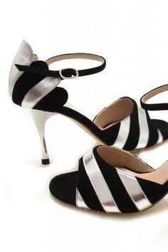 El día que yo sea una millonaria excéntrica gastaré mucha de mi fortuna en Comme il Faut - Zapatos de Tango