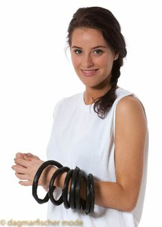 Bracelet/necklace Bettan by NELLY JOHANSSON - dagmarfischermode.de      #bracelet #necklace #nellyjohansson #nelly #johansson #design #designer #sweden #swedish #swedishdesign #fashion #style #stylish #styles #outfit #shopping #dagmarfischermode #shop #spring #summer #trend