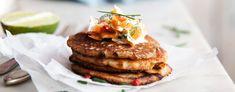 Porkkanalohi on vegaaninen ''kylmäsavulohi'', jonka resepti on alkujaan Olives for dinner-blogista. Porkkalan voi valmistaa myös helpommin ja nopeammin ilman uunia ja suolakuorta. Tämä liemessä kypsytetty porkkala valmistuu pikana vain vartissa.Katso reseptin lopusta myös juomasuositus. Vegan Christmas, Salmon Burgers, Tofu, Hamburger, Seafood, Vegetarian Recipes, Raspberry, Pasta, Lunch
