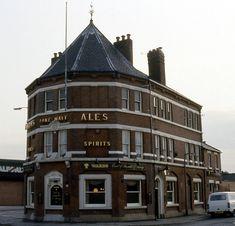 syks - earl of arundel x surrey sheffield wards 91 JL Sheffield Pubs, Old Pub, South Yorkshire, Heaven On Earth, Surrey, Brewery, England, History, Random Stuff