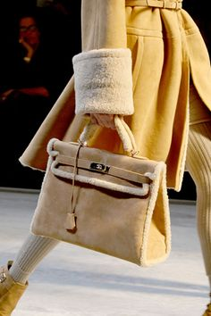 SUPER cute Hermès Birkin! Love how it's still simple and so are the fuzzy edges. It has the potential to look really cheapI LOvE winter things like these!
