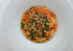 Für die Haferflockensuppe in einem großen Topf das Wasser zum Kochen bringen, die Karotten mit der Instant-Suppe weichkochen. In der Zwischenzeit Grains, Food, Carrots, Water, Food Food, Essen, Meals, Seeds, Yemek