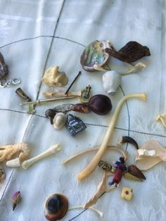 """""""ROLL-THE-BONES"""" Hey, I found this really awesome Etsy listing at https://www.etsy.com/listing/204969331/12-hour-bone-reading-divination"""
