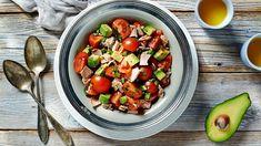 Šalát s tuniakom a avokádom