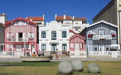 'Venice of Portugal': Colourful city of Aveiro offers window into history of Portuguese fishing traditions - via National Post 16.08.2016 | Aveiro, a city on Portugal's west coast, is known for its canals lined with art nouveau buildings and traversed by colourful boats