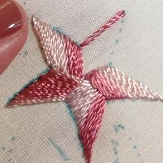 Tucker Star Tutorial - Its a very simple way of filling in a star with an odd number of points. And it works well for all sizes of stars, even the smallest.