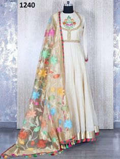 New indian bridal reception dress gowns colour ideas Indian Gowns, Indian Attire, Pakistani Dresses, Indian Sarees, Indian Wear, Indian Outfits, Shadi Dresses, Bollywood Dress, White Anarkali
