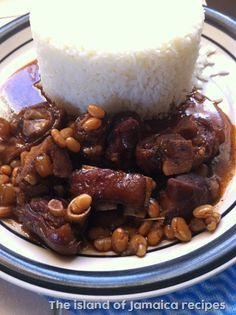 jamaican style pig's trotters and baked beans Beans Curry, Beans Beans, Pig Feet Stew Recipe, Jamaican Recipes, Pork Recipes, Pig Trotter Recipe, Trotters Recipe, Chen, Canned Baked Beans