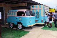 Salgados, doces, comidas regionais, sorvetes, bebidas. O Food Truck leva os sabores até você.