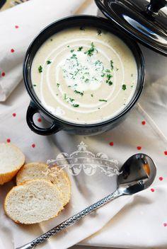 Potato and Leek Cream Soup. Potato and leek cream soup. Soup Recipes, Vegetarian Recipes, Snack Recipes, Cooking Recipes, Snacks, Minions, Souper Bowl, Potato Leek Soup, Romantic Meals