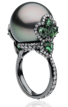 Pearl Ring with Emeralds and Diamonds