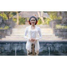 Javanese bride in white