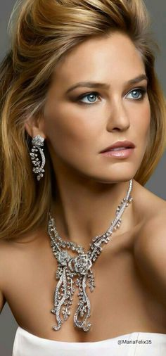 Piaget Diamonds via @lunamiangel. #jewelry #diamonds