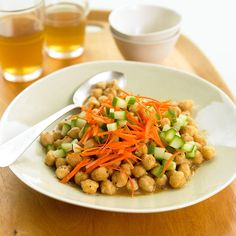 Middle Eastern Spicy Garbanzo Beans http://www.prevention.com/food/high-protein-dinner-recipes/middle-eastern-spicy-garbanzo-beans
