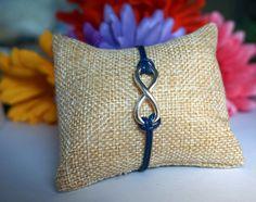 Silberarmbänder - ARMBAND INFINITY BLAU & SILBER MIT SILBERAN... - ein Designerstück von KamillaSchmuck bei DaWanda Armband Infinity, Etsy, Throw Pillows, Silver Pendants, Silver Jewellery, Blue, Cushions, Decorative Pillows, Decor Pillows