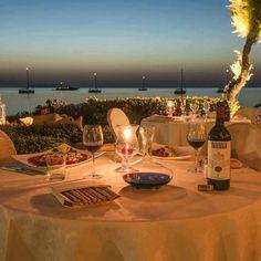 TIGNANELLO E' stato il primo Sangiovese ad essere affinato in barrique, il primo vino rosso moderno assemblato con varietà non tradizionali (quali il Cabernet), e tra i primi vini rossi nel Chianti a non usare uve bianche.