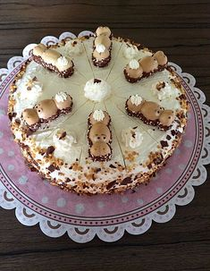 Happiness 578431145864457316 - Happy Hippo (Nilpferd) Torte 3 Source by Fall Recipes, Sweet Recipes, Torte Au Chocolat, Hippo Cake, Salted Caramel Chocolate Cake, Yummy Treats, Yummy Food, Muffins, Food Cakes