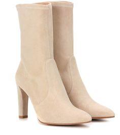 STUART WEITZMAN Clinger suede boots. #stuartweitzman #shoes #boots