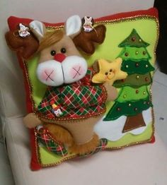 Christmas Sewing Projects, Felt Crafts, Diy And Crafts, Christmas Crafts, Crafts For Kids, Christmas Ornaments, Felt Decorations, Christmas Decorations, Holiday Decor
