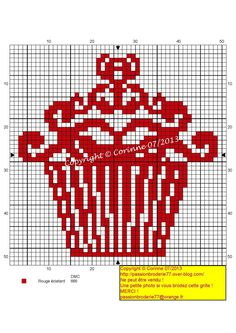 cup contours rouges (red outlined cupcake), designed by Corinne Thulmeaux, Passion Broderie 77 blogger.