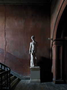 Lined with outsize Georgian buildings, Henrietta Street has been, over the years, home to both tenement squalor and aristocratic grandeur. Georgian Buildings, Portrait Editorial, T Magazine, Dark Interiors, 19th Century, Journey, Statue, City, Instagram
